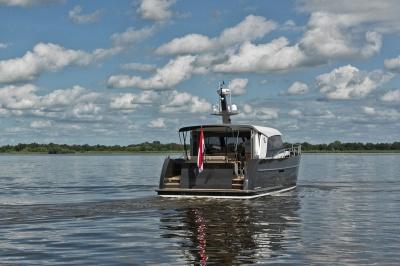 """Skipper over de Discovery 45 OC: """"Eyecatcher onder de staaljachten"""""""