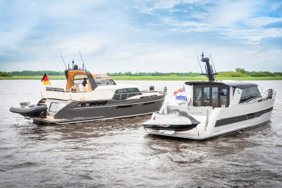 Discovery 47 AC and 47 OC side-by-side at HISWA te Water 2021