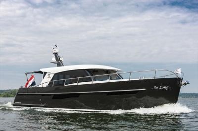 Super Lauwersmeer met Discovery 45 AC & 46 OC op Motorboot Sneek