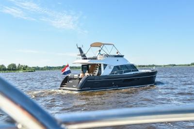 Wereldprimeur op de HISWA te water: Discovery 45 Flybridge