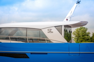 Discovery 47 OC 'Efornia' vaart uit