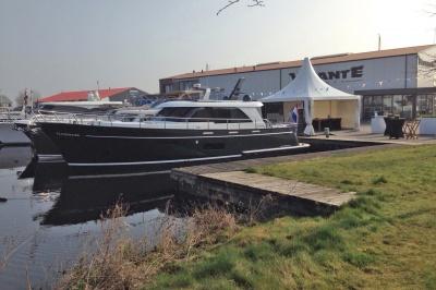 Super Lauwersmeer met twee jachten op Voorjaarsshow Sneek