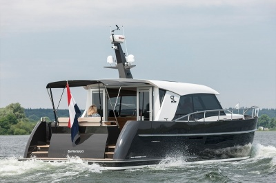 Video: Boote test de Super Lauwersmeer Discovery 46 OC