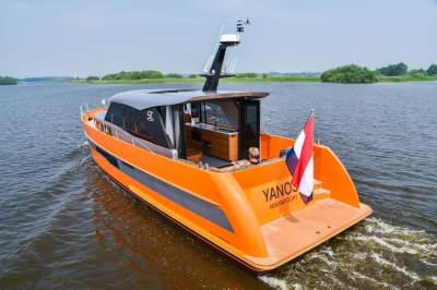 Discovery-topmodellen op Motorboot Sneek